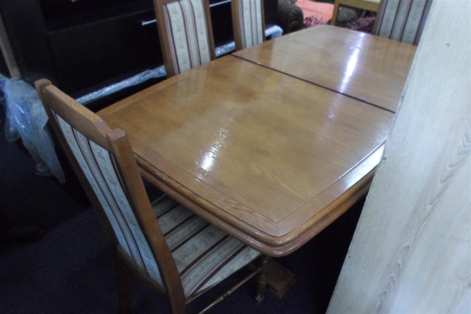 Wooden Dining Room Table + 4 Chairs