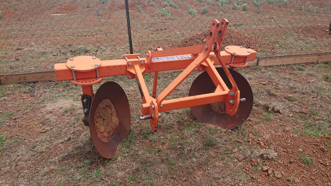 John Deer 5503 tractor with IMPLEMENTS