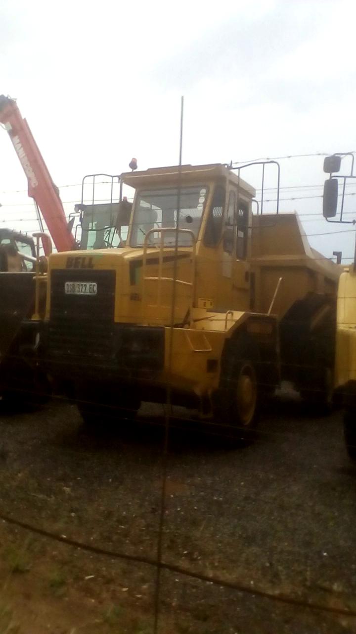 Bell B17C Dump Truck