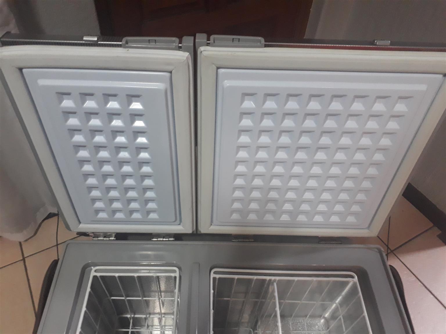 Campmaster 72L fridge Freezer