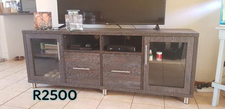 Dark wooden modern tv stand