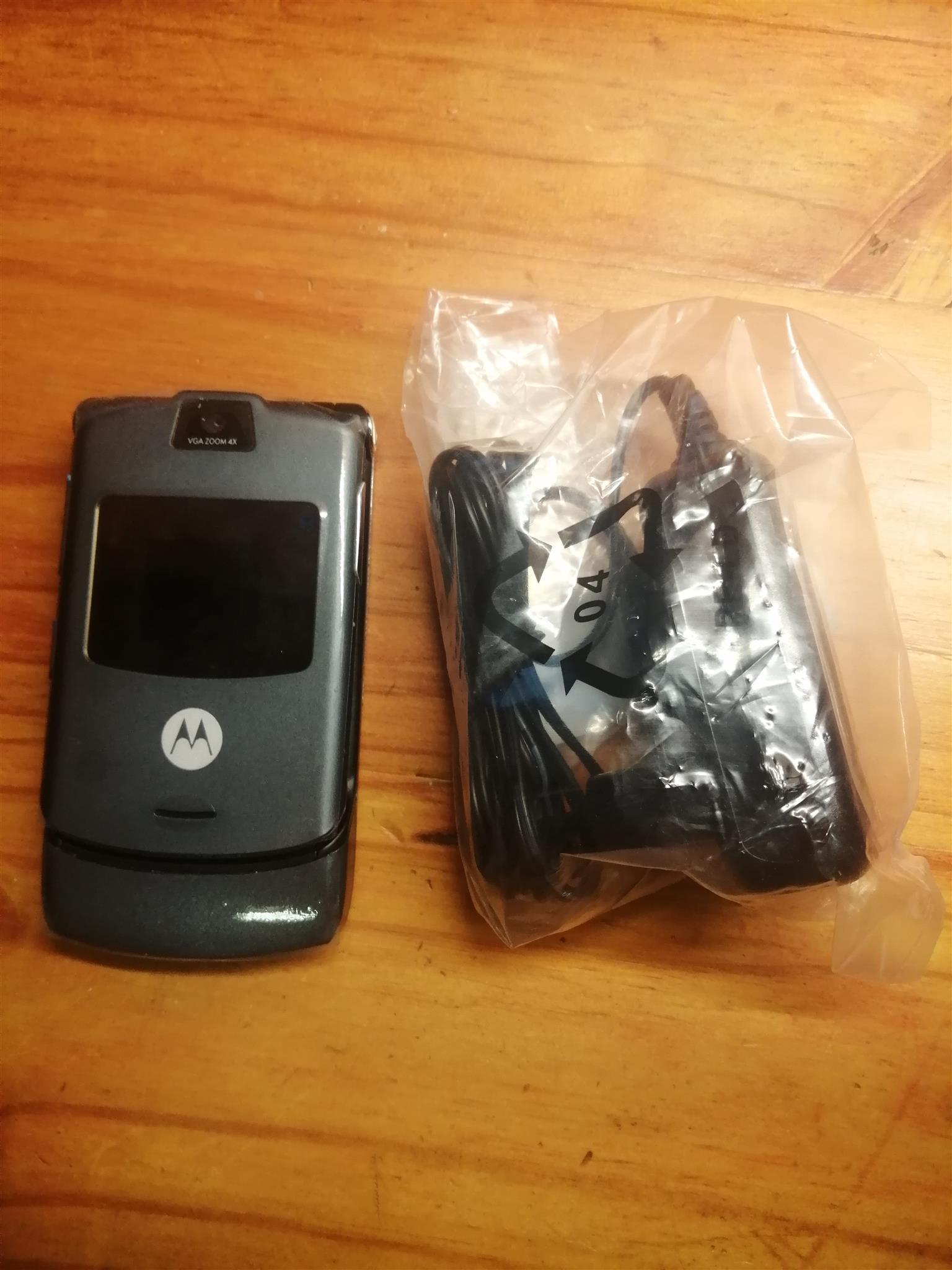 Brand new Motorola v3 razr