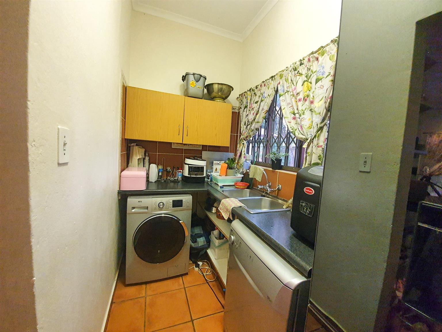 House For Sale in Murrayfield