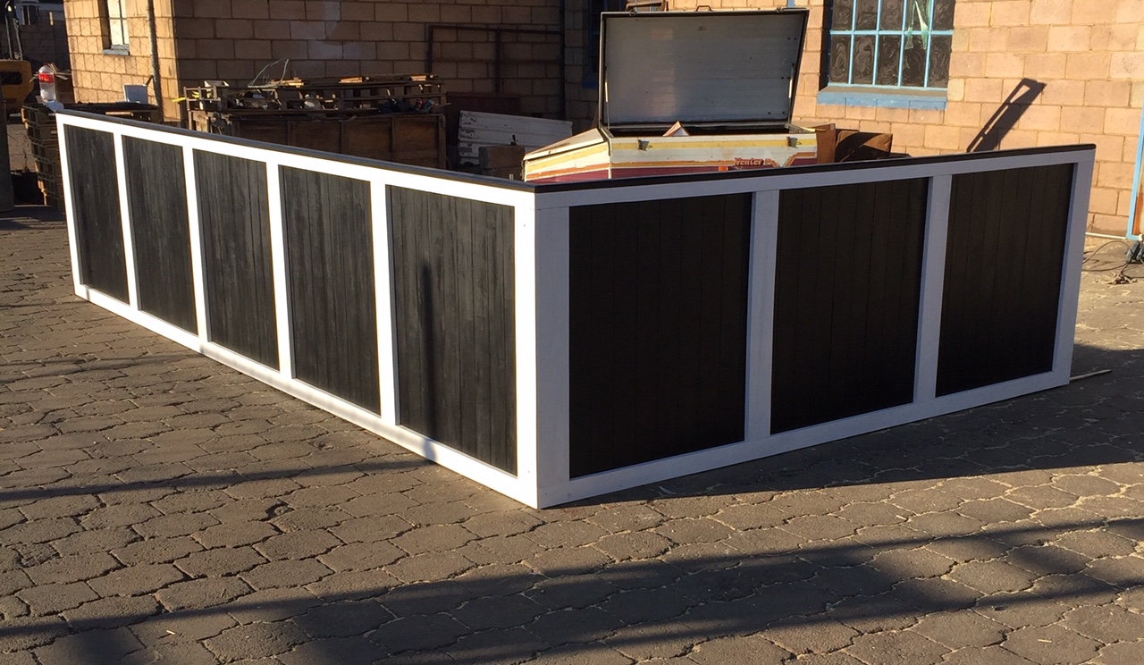 Retail Counter Chunky Farmhouse series 5000 L-Shape - Two toned