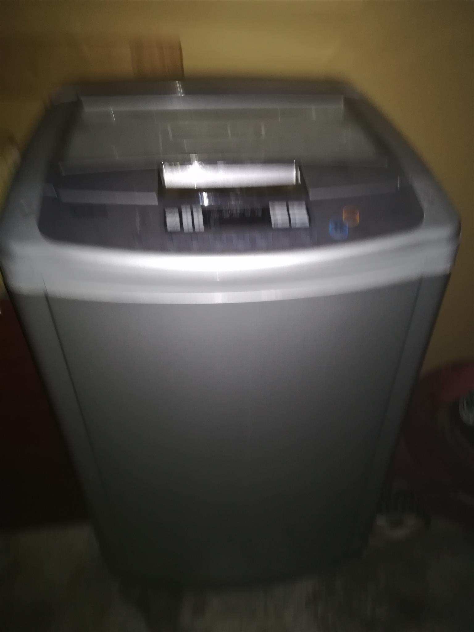 LG 13 kg top loader washing machine