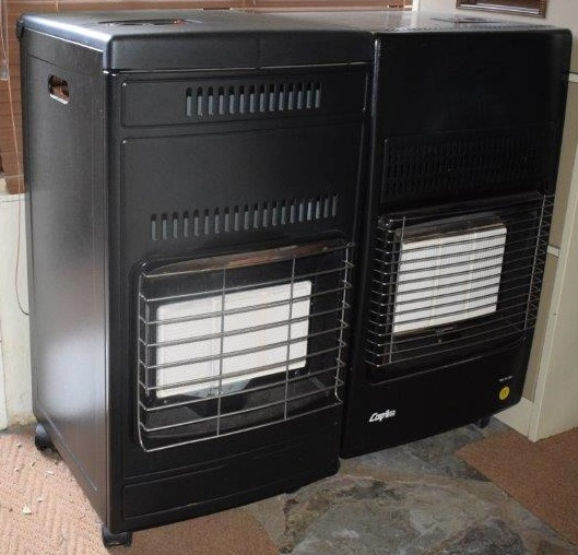 2 x Gas Heaters (3x Gas Bottles incl.)