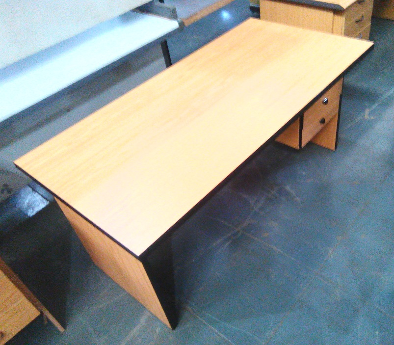 Oak straight desk with 3 drawer pedestal