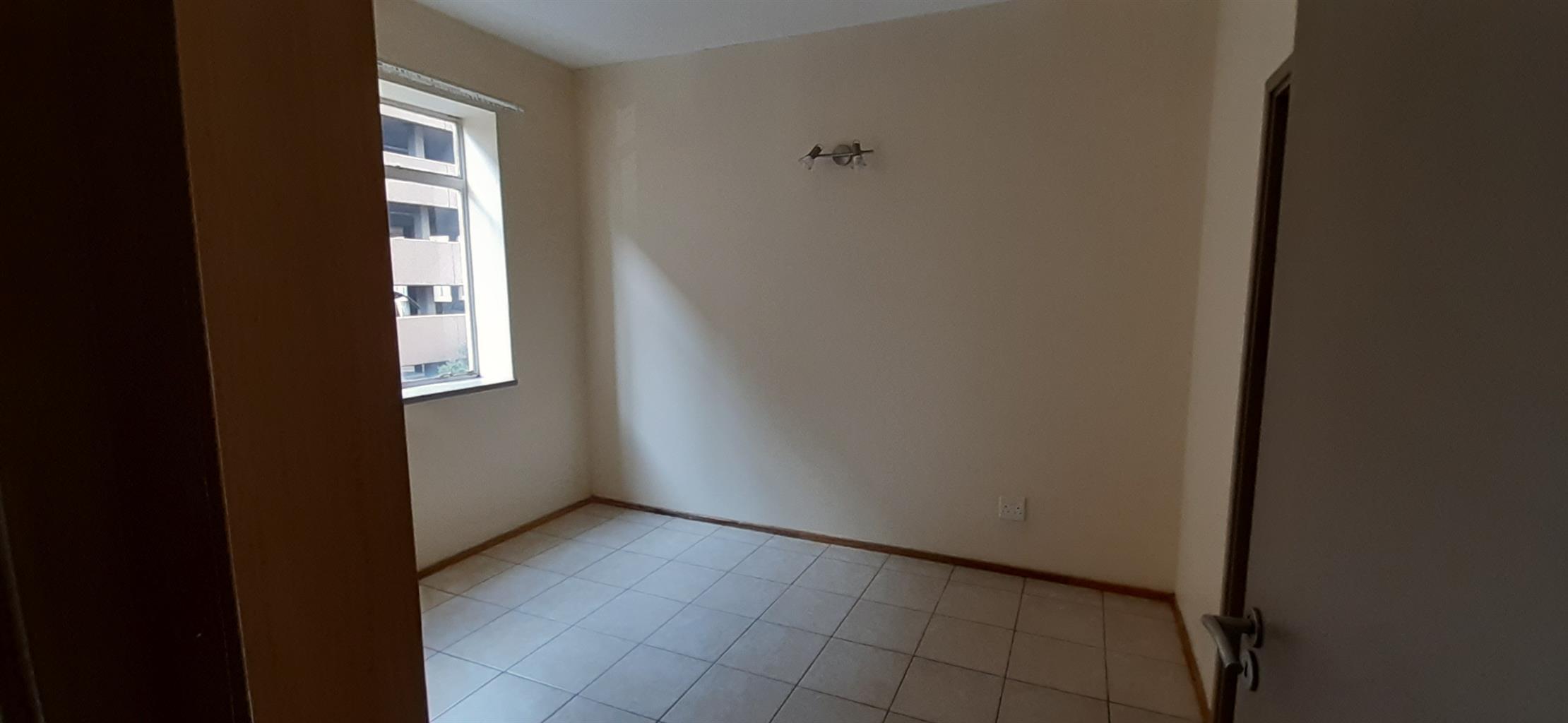 Modern Finish 1 Bedroom Apartment Johannesburg Marshalltown Deposit Free