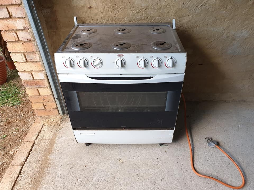 6 Plate large stove with oven