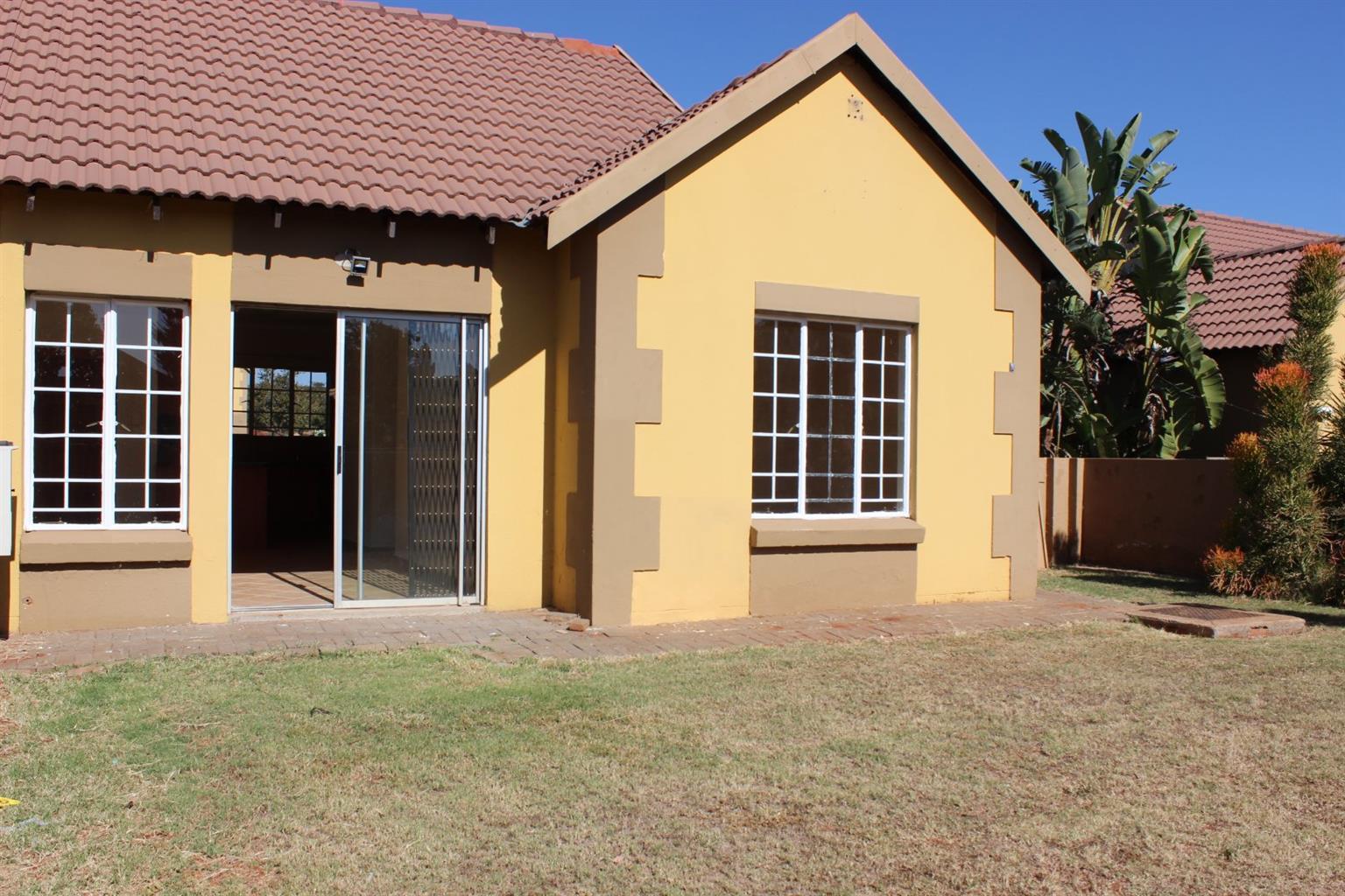 2 BEDROOM DUET TOWNHOUSE IN ELDORETTE