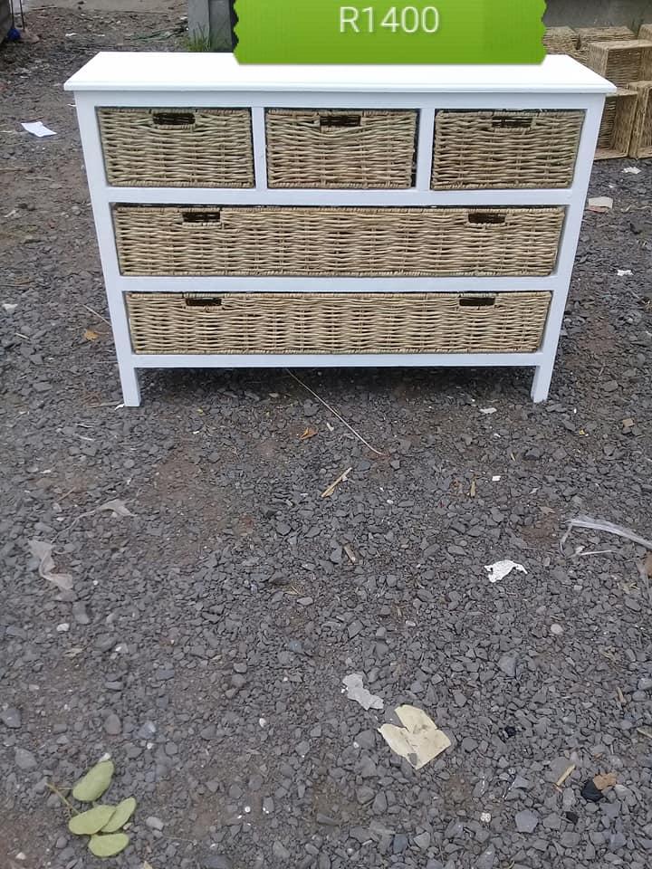 5 Basket drawer white wooden stand