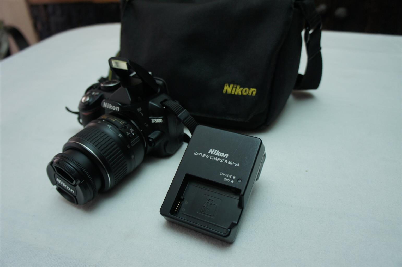 Nikon D3100 SLR camera with Twin Lens in mint condition