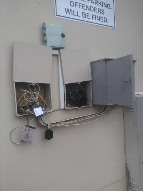 Dstv installations and signal repairs Krugersdop call/sms Jeffrey at 074 0300 639 same day services.
