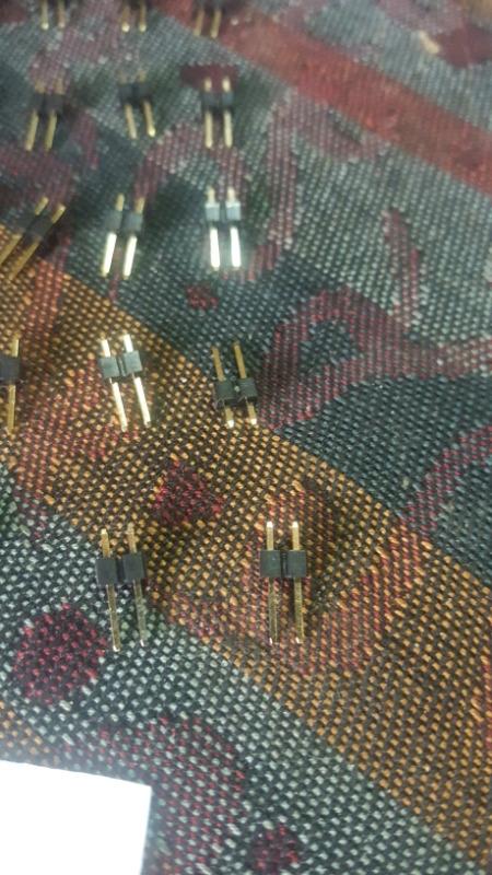 25 PCs 2 pin header male connectors.