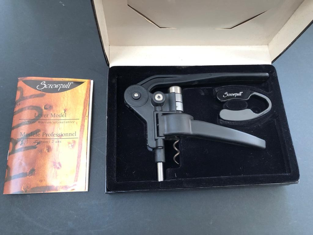 Screwpull Lever Model with Foil cutter in giftbox set