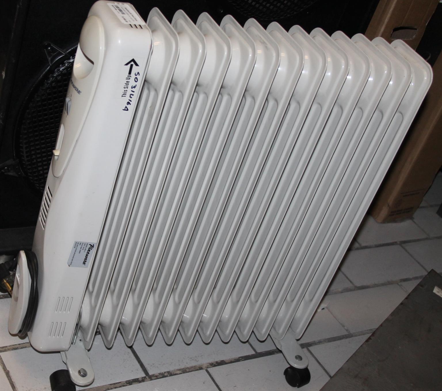 Pineware 12 bar oil heater S031416A #Rosettenvillepawnshop
