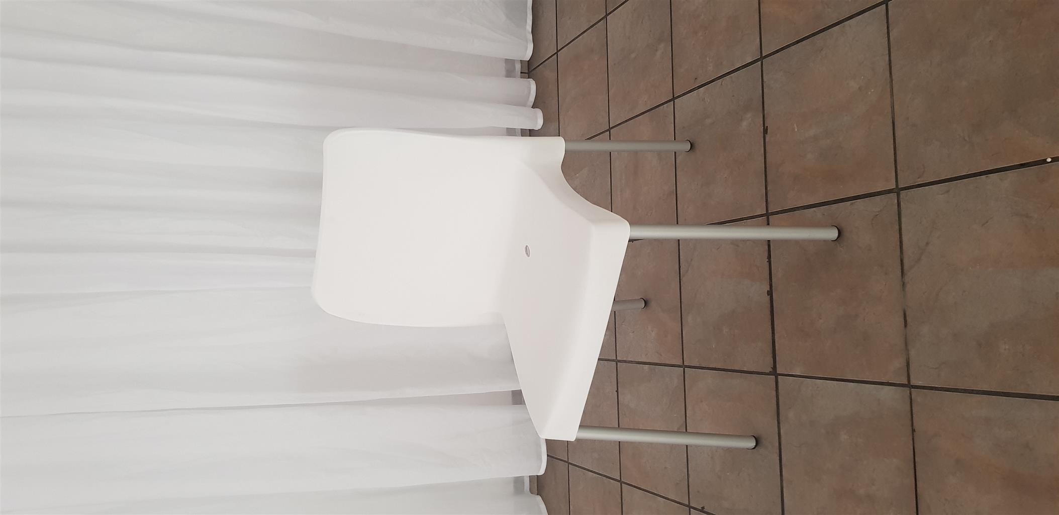 Plastic White Chairs
