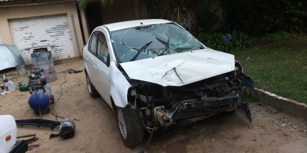Hey am selling my Ford ikon