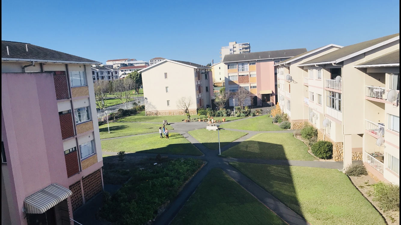 Large Three bedroom Apartment For Sale !