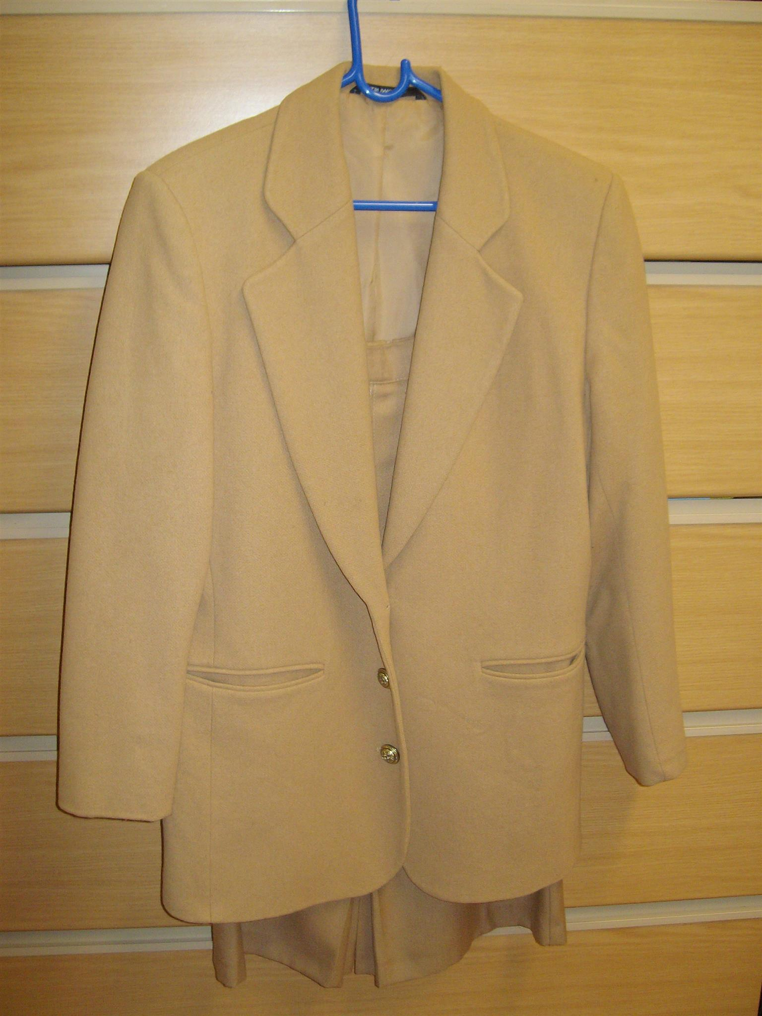 Winter suits (jackets, skirts & trousers)