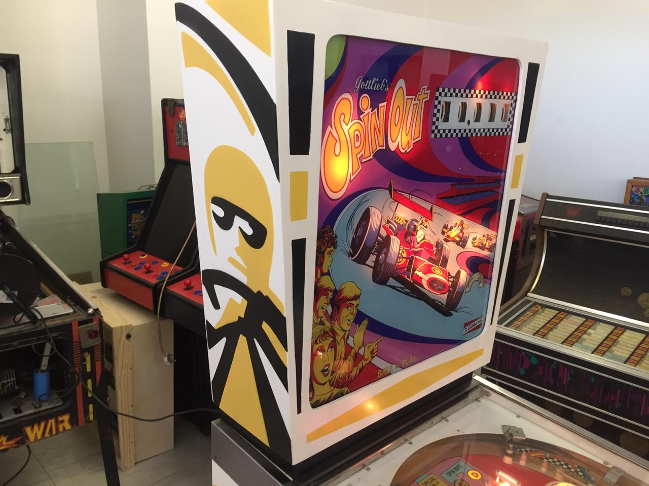 Spin Out by Gottlieb , a 1 player pinball machine