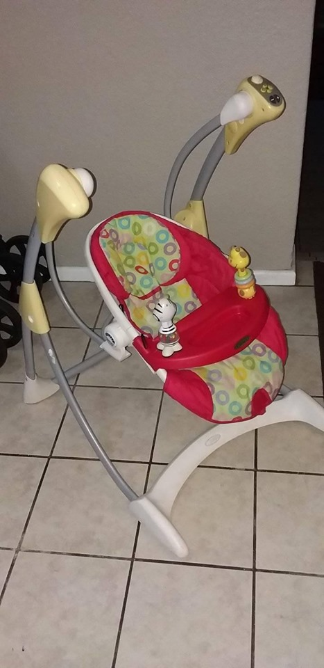 separation shoes d20df fe6f6 Graco rocking chair