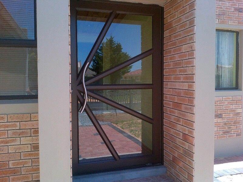 Double Aluminium Manufacturers Mail: Pivot And Hinged Glass & Aluminium Doors