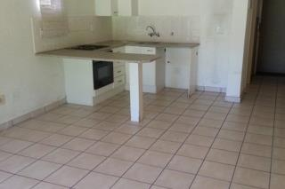 Bromhof The Caymans 1bedroomed unit to rent for R4200, bathroom, kitchen and lounge