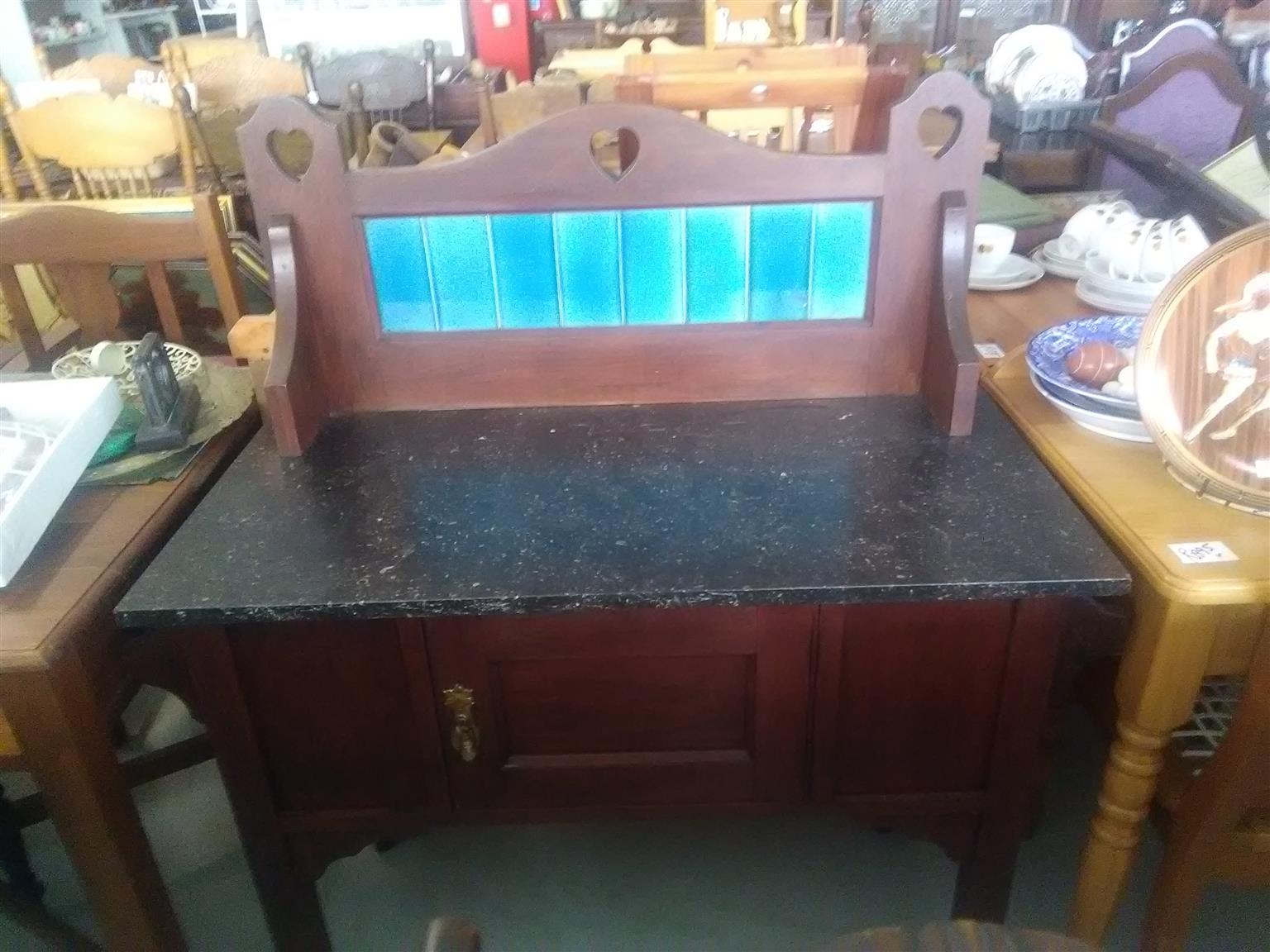 Barthroom table