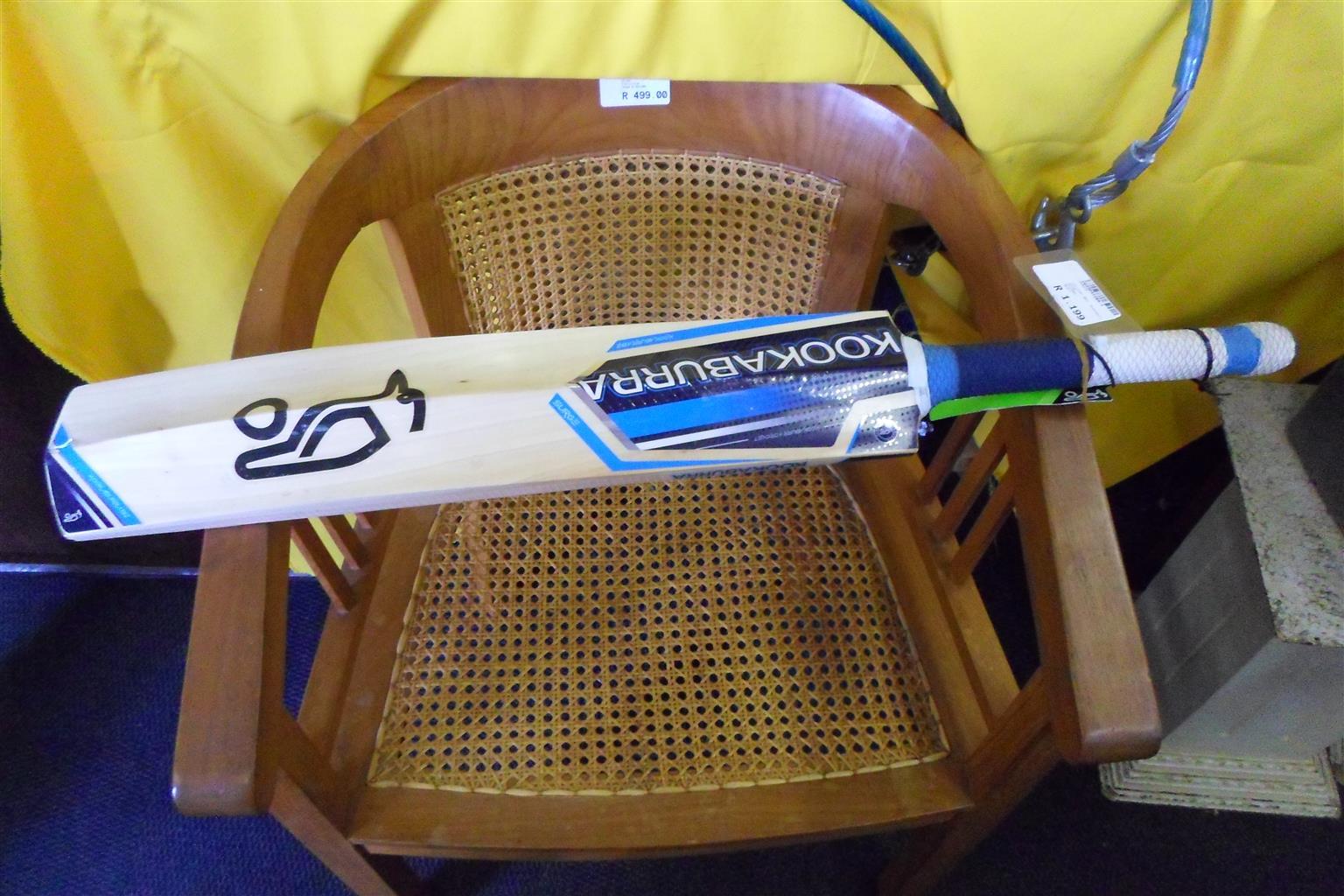 Kookaburra Surge Pro 1000 Cricket Bat