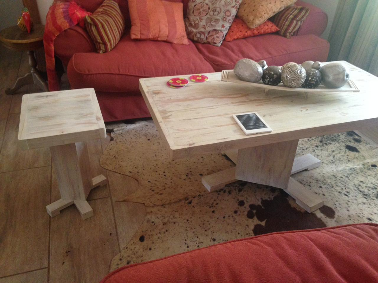 Lounge coffee table and side table