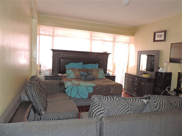 Apartment For Sale in Berea