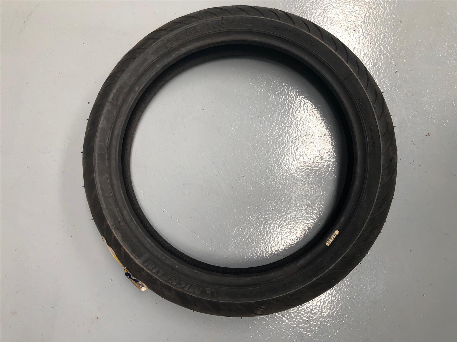 Bike Tyre Michelin 110/70/17 Pilot Road 2