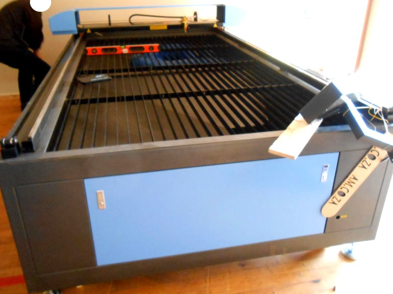 LC2-1325R/M160 TruCUT PRO Performance Range 1300x2500mm Flatbed, Front Section Motorised