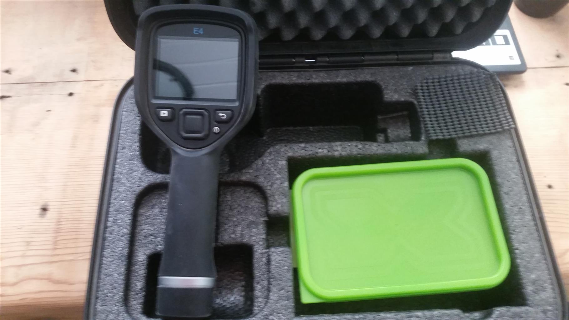 FLIR E4 Infrared/Thermal Camera + Carry Case