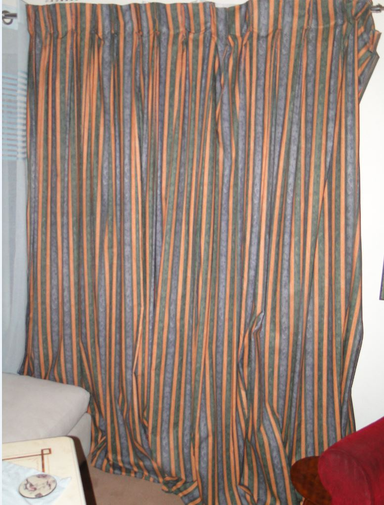Excellent & High Quality fully Lined 3.5 x 2.5 Drops of Curtains at R 250 per drop (Ex 5 Star Hotel)