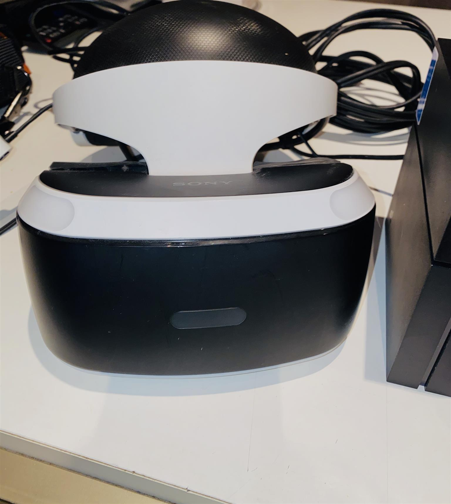 PlayStation 4 console 1TB with VR Headset