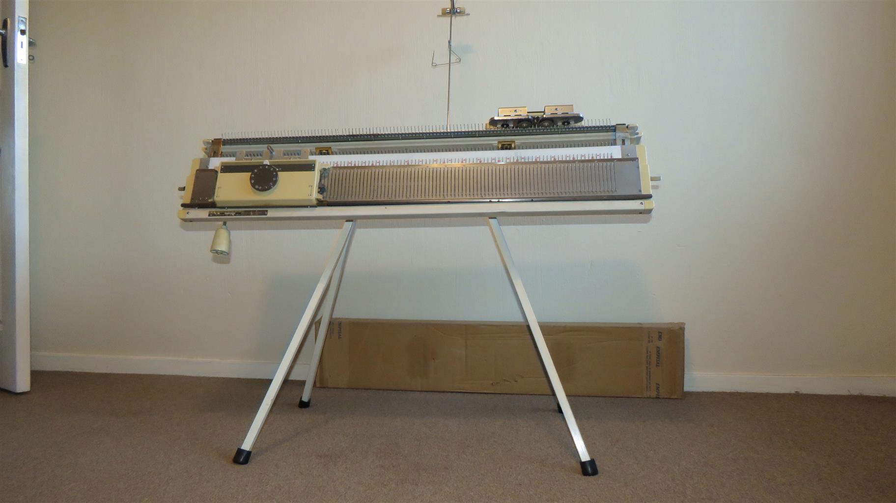 Empisal Chunky Knitter Model SR 150