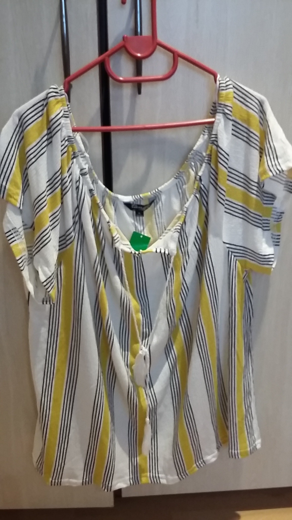 Ladies new tops for sale Kempton Park.