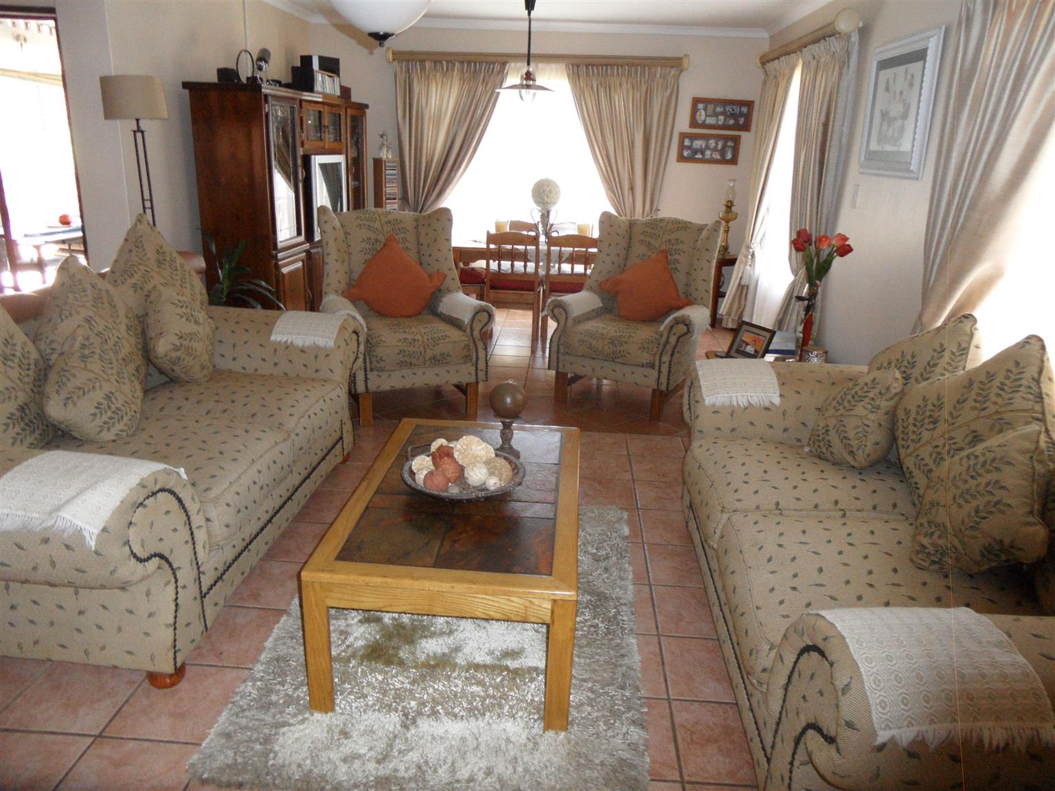 3 Bedroom House for Sale in desired area of Eldoraigne