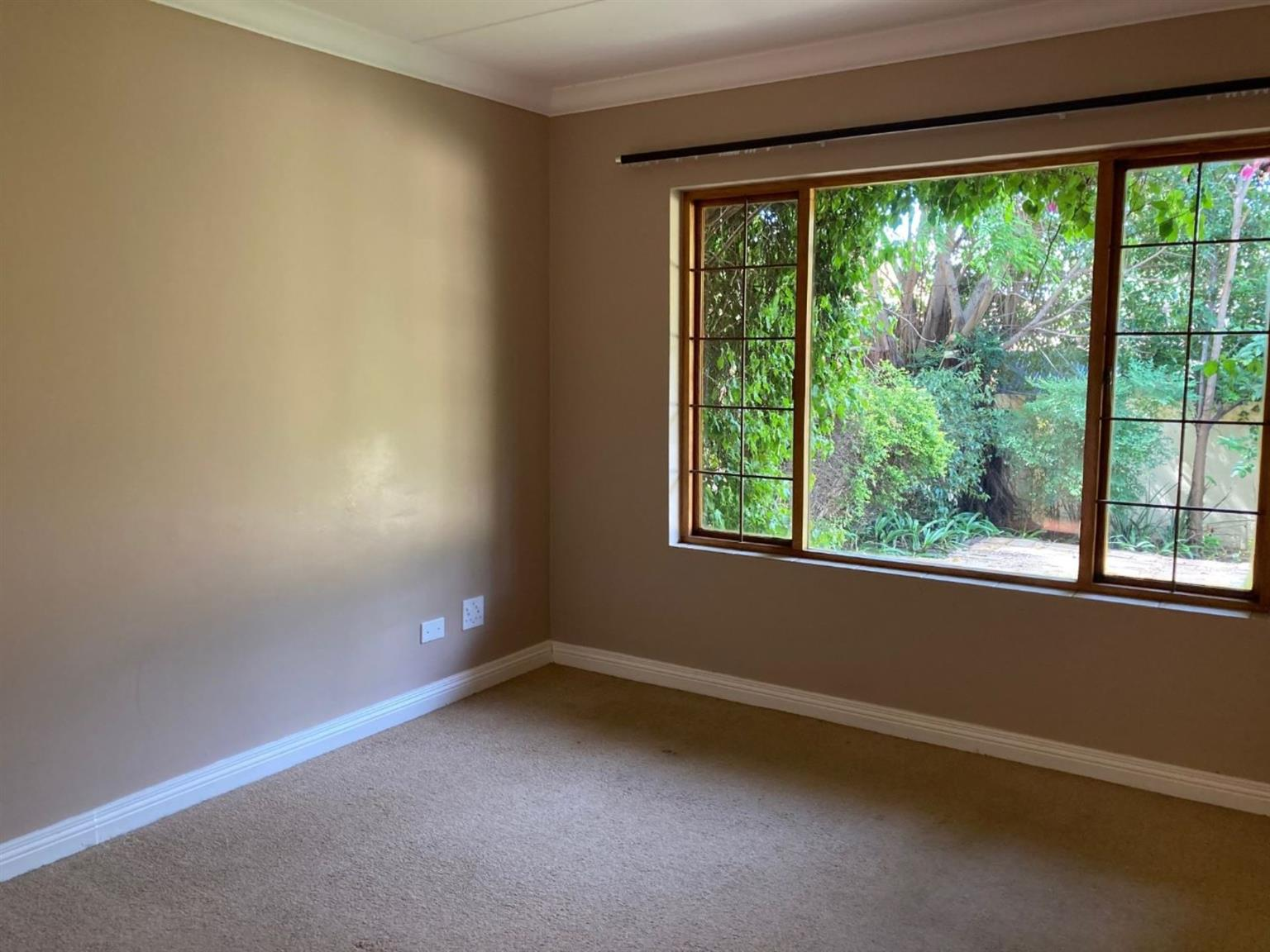 Townhouse Rental Monthly in LONEHILL
