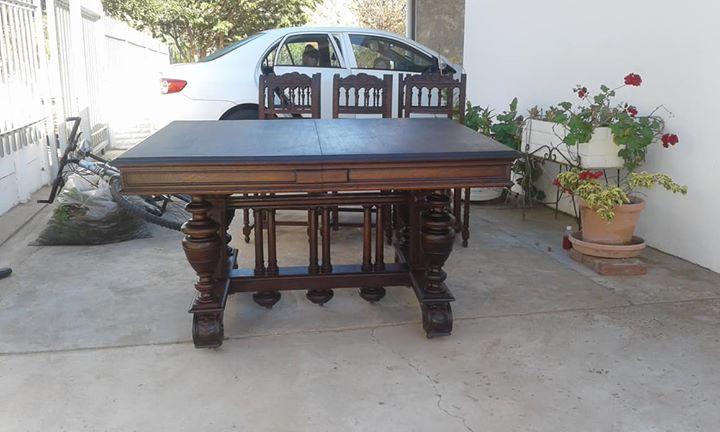 Jacobean Diningroom Set