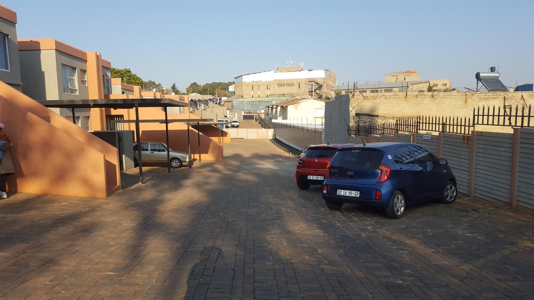 Apartment For Sale in Maraisburg
