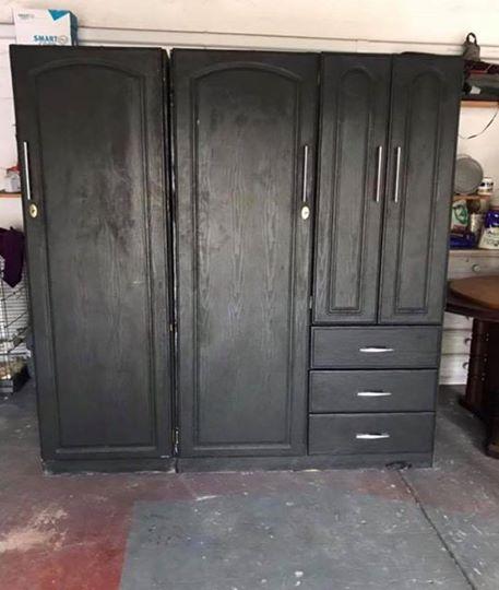 Large triple wardrobe with drawers