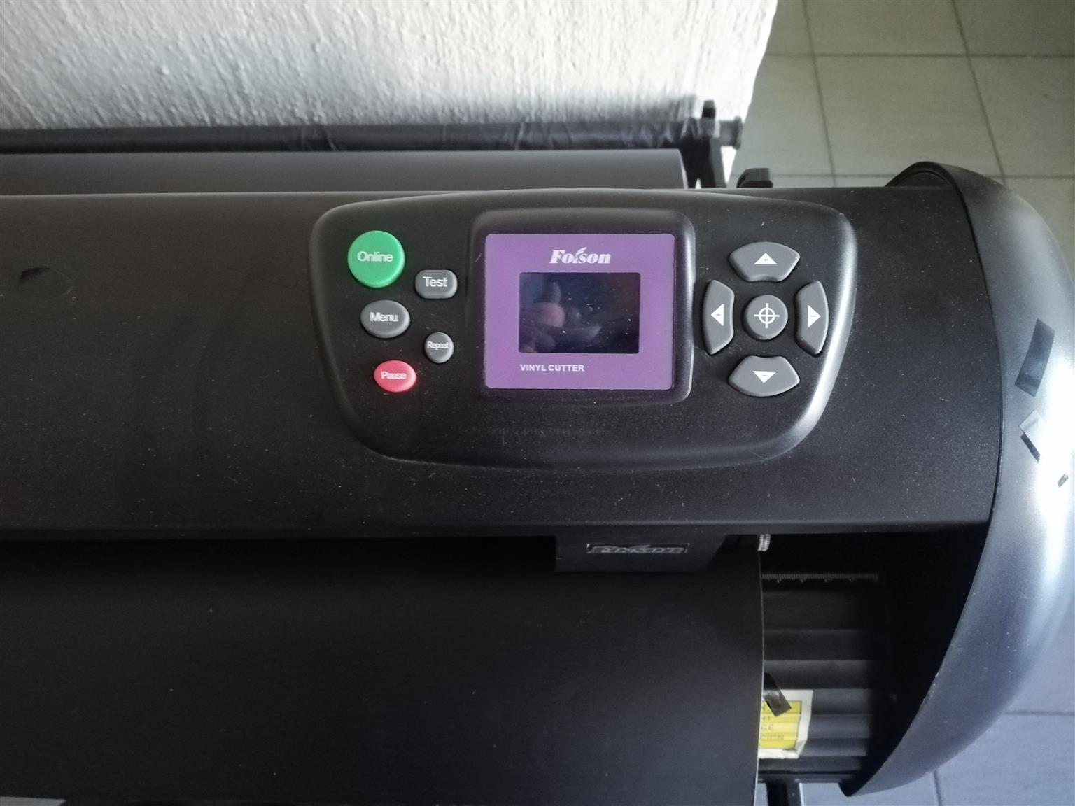 Vinyl Cutter And Plotting Machines With Full Training And Warranty