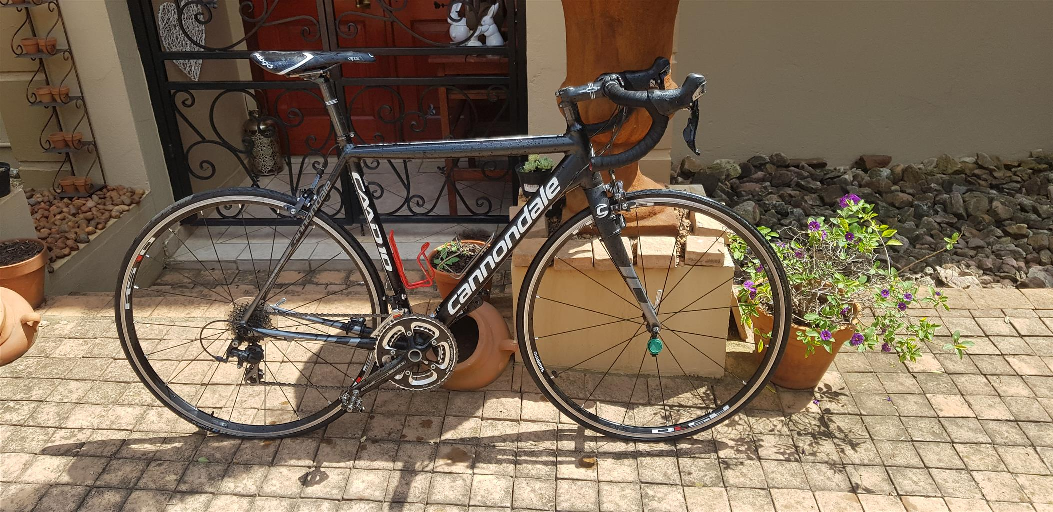 Racing Bike Cannondale CAAD10 black like new