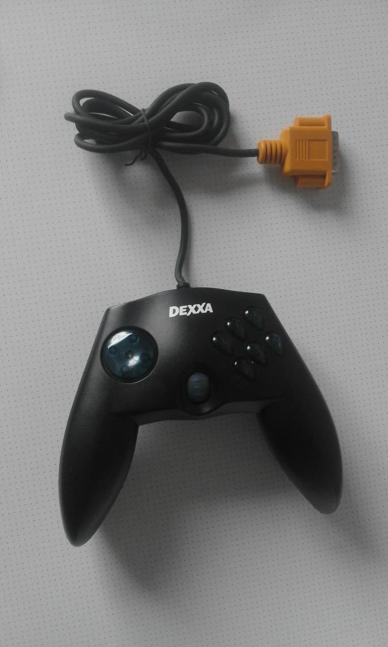 Dexxa Gamepad in good working condition.