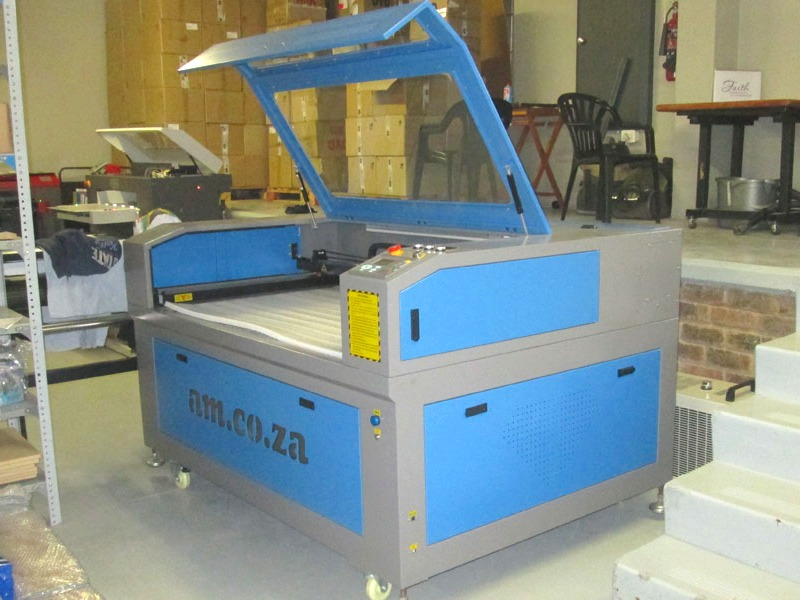 LC2-1610/C80 TruCUT Performance Range 1600x1000mm Cabinet, Conveyor Table, CCD Camera for