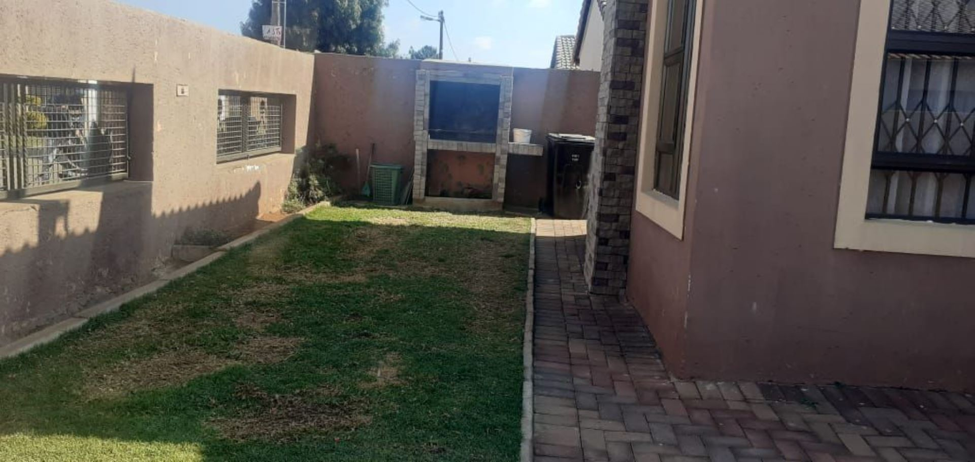 House For Sale in PROTEA GLEN