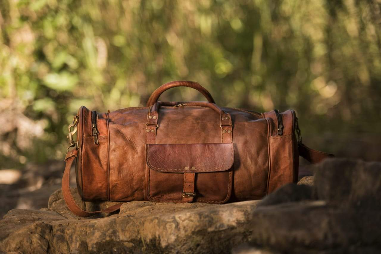 BRAND NEW LEATHER TRAVEL BAG FOR SALE